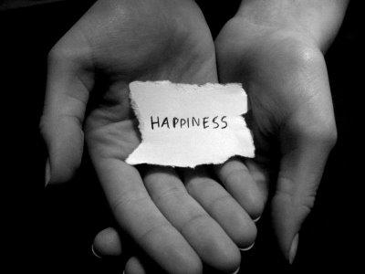 Editoriale: Esser felici per esser umani